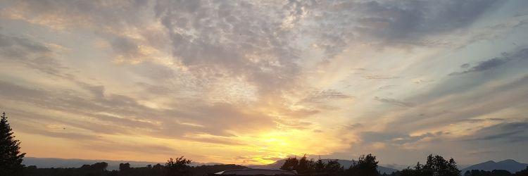 Pale sunset header